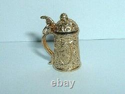 VINTAGE 14k YELLOW GOLD 3D GERMAN BEER STEIN PENDANT CHARM it opens up